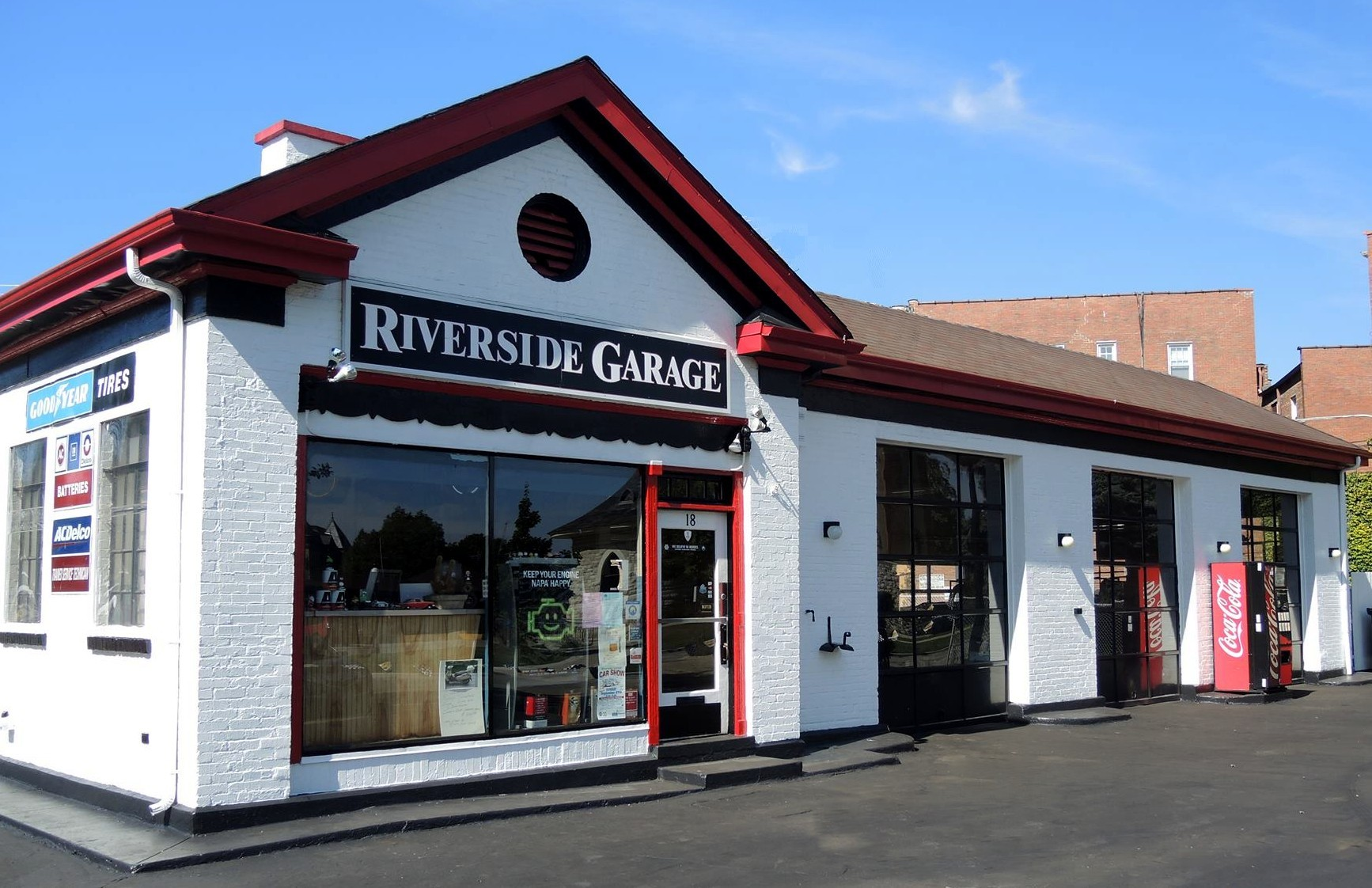 The Riverside Garage in Riverside Illinois